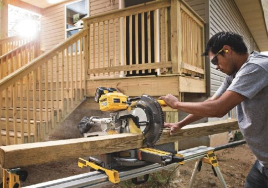 Top 7 Best Cordless Miter Saws And Reviews 2019