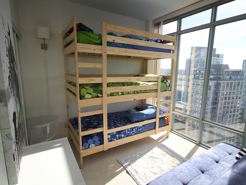 top 7 best triple bunk beds for sale under 200 500 best7reviews. Black Bedroom Furniture Sets. Home Design Ideas