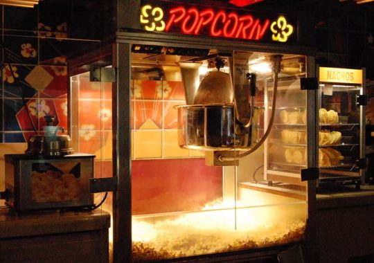 Top 7 Best Commercial Popcorn Machine – Reviews in 2019