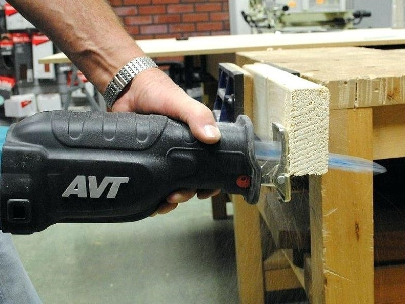 Top 7 Best Cordless Reciprocating Saws And Reviews